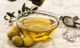 What is Caster Oil Used for and Benefits for Skin.