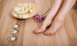 6 Simple Ways on How to Exfoliate Legs [2020]