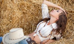 How to Style the Ethnic Jewelry with the Western Outfits?